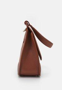 AIGNER - SELMA BAG - Handbag - cognac - 3