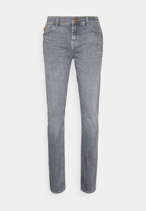 RONNIE SPEEDISTRTEKFREDAY - Slim fit jeans - grey