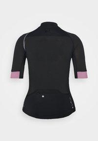 ONLY Play - ONPPERFORMANCE BIKE - T-Shirt print - black/elderberry - 8