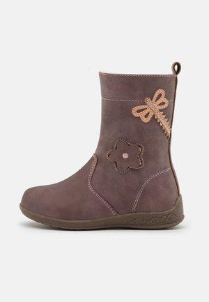 Boots - mauve
