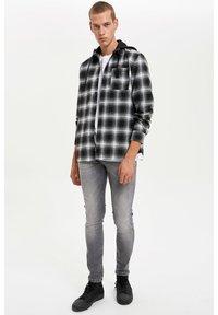 DeFacto - Shirt - black - 1
