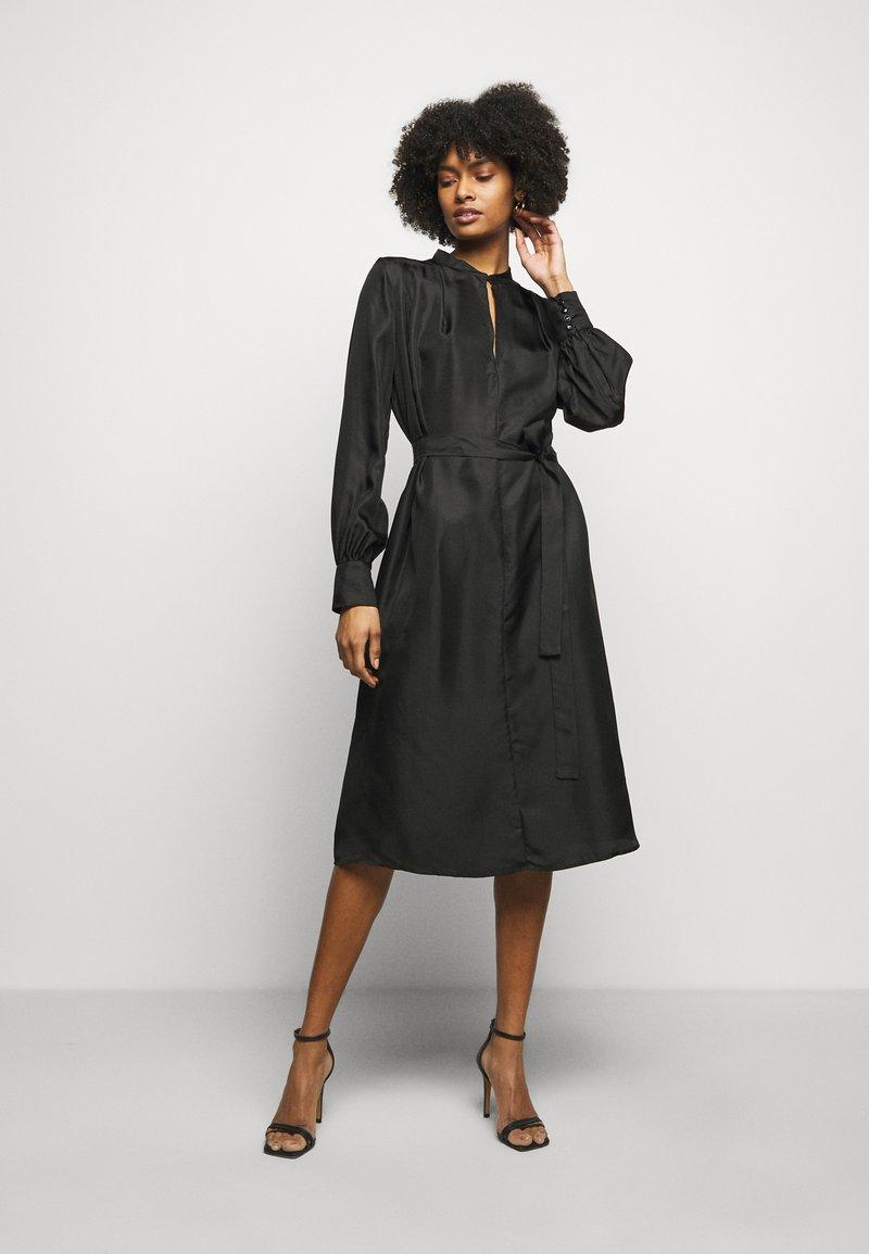 Lovechild - MARILLA - Koktejlové šaty/ šaty na párty - black