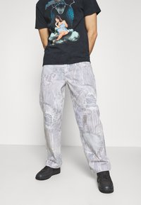 Jaded London - REALISTIC PRINT - Relaxed fit jeans - blue - 4