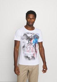 Key Largo - HILL ROUND - T-shirt con stampa - white - 0