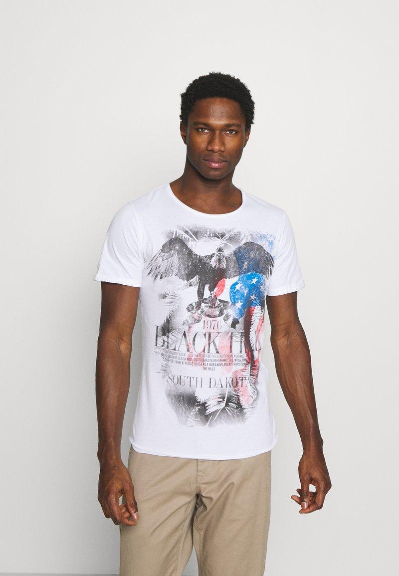 Key Largo - HILL ROUND - T-shirt con stampa - white