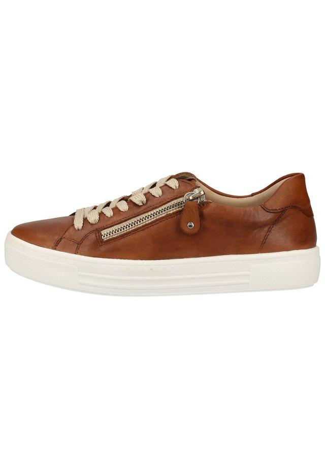 REMONTE SNEAKER - Sneaker low - muskat/cayenne / 24