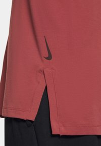 Nike Performance - DRY YOGA - Camiseta básica - claystone red/black - 5