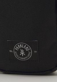 Parkland - FERGIE - Bum bag - black - 3