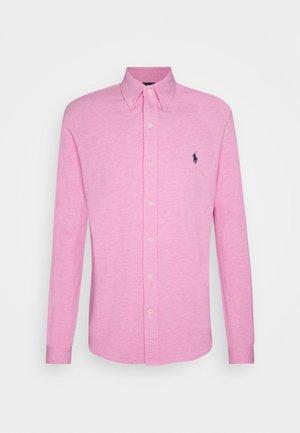 FEATHERWEIGHT MESH SHIRT - Chemise - hampton pink heather