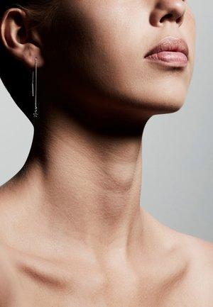 REGINA - Earrings - ox silver