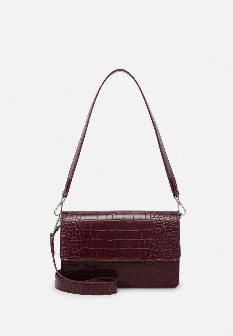 Gina Tricot - EVERLY BAG - Handbag - wine