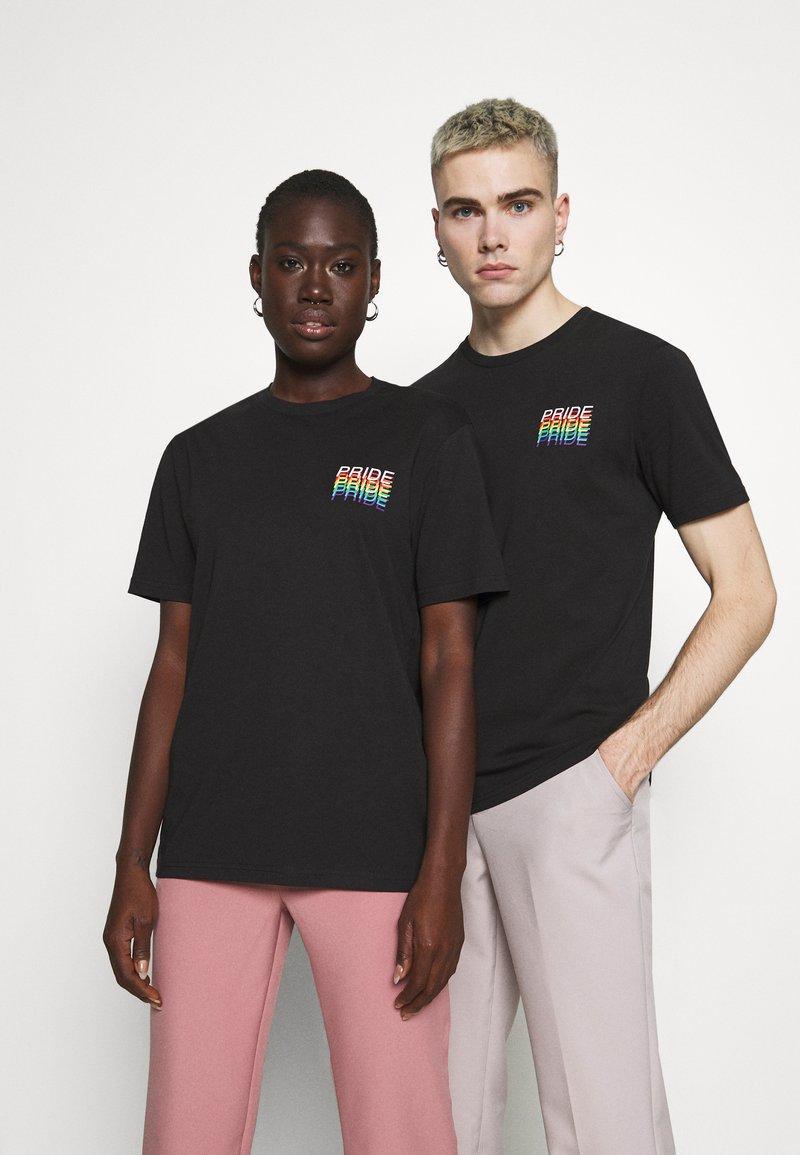 YOURTURN - PRIDE - Print T-shirt - black