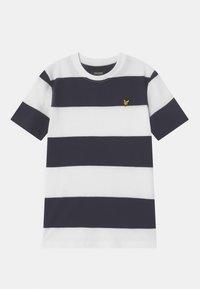Lyle & Scott - WIDE STRIPE - Print T-shirt - bright white - 0