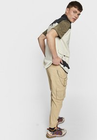 Redefined Rebel - MILTON - Cargo trousers - starfish - 2