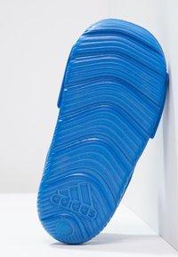 adidas Performance - ALTASWIM - Badesandaler - blue/white - 4