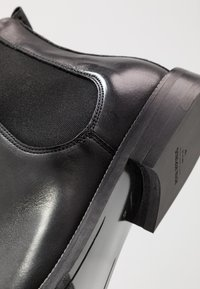 Royal RepubliQ - ALIAS CLASSIC CHELSEA - Kotníkové boty - black - 5