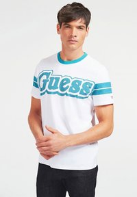 Guess - BARS TEE - Print T-shirt - weiß - 0