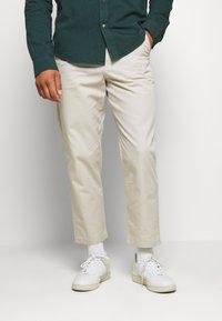 Farah - HAWTIN - Trousers - white smoke - 0