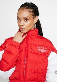 adidas Originals - CROPPED PUFFER - Vinterjacka - scarlet/white - 3