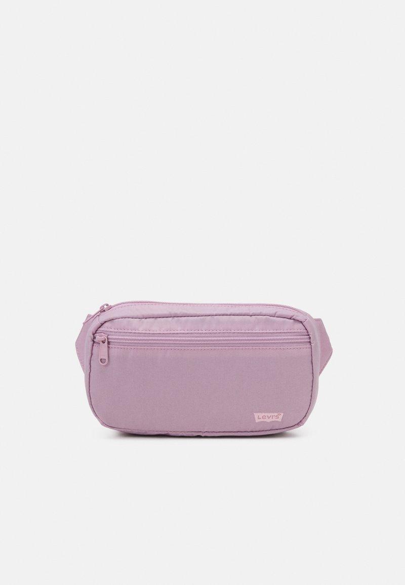 Levi's® - WOMENS MEDIUM BANANA SLING EMBROIDERED BATWING - Bum bag - light purple