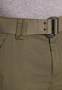 Schott - TRRANGER - Shorts - khaki - 4