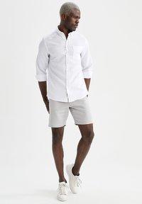 DeFacto - Camisa elegante - white - 1