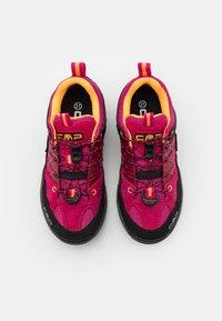CMP - KIDS RIGEL LOW SHOE WP UNISEX - Hiking shoes - bouganville/goji - 3