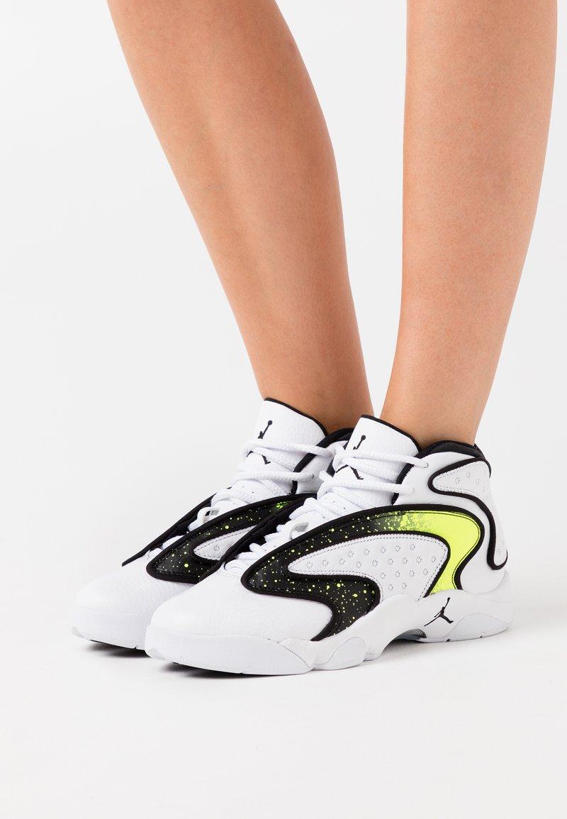 Jordan - AIR - Zapatillas - white/black/volt