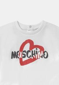 MOSCHINO - Printtipaita - optic white - 2