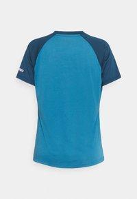 Zimtstern - HEARTZ TEE - Print T-shirt - blue steel/french navy - 6
