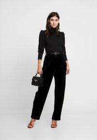 Trendyol - SIYAH - Långärmad tröja - black - 1