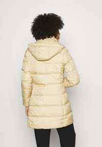 Tommy Hilfiger - BAFFLE COAT - Down coat - yellow stone - 3