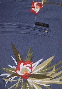 Jack & Jones - JJIBOWIE JJSHORTS - Shorts - vintage indigo - 2