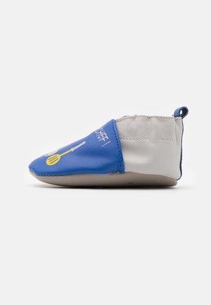 I AM THE CHEF - First shoes - bleu electrique/gris