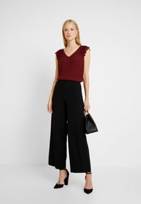 s.Oliver BLACK LABEL - Blouse - bordeaux - 1