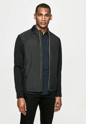 CLASC HYBRID - Camisa - black