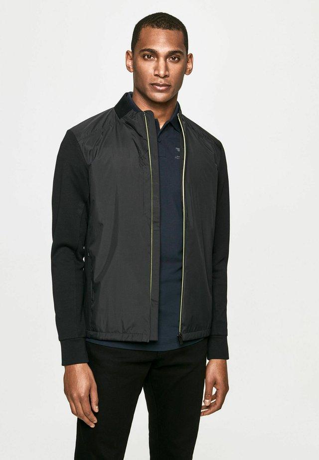 CLASC HYBRID - Shirt - black