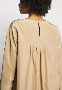 WEEKEND MaxMara - OMBRINA - Day dress - kamel - 6