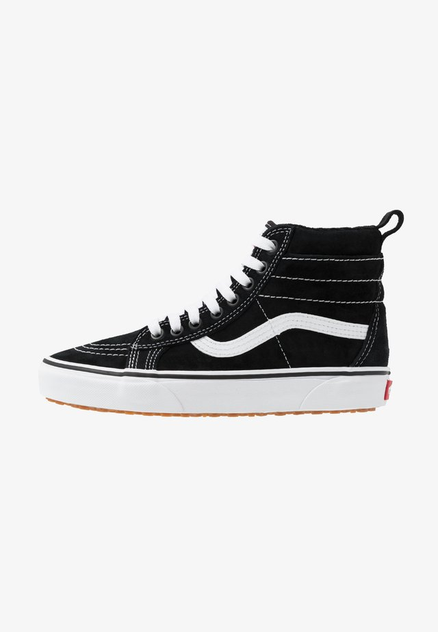 SK8 MTE - Korkeavartiset tennarit - black/true white