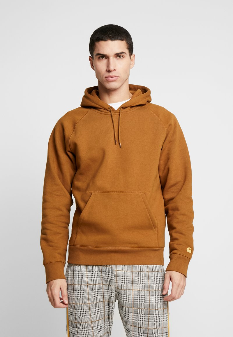 Carhartt WIP - HOODED CHASE  - Hættetrøjer - hamilton brown/gold