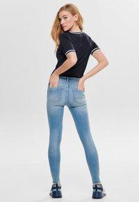 ONLY - MIT KURZEN ÄRMELN  - T-shirts print - dark blue - 2