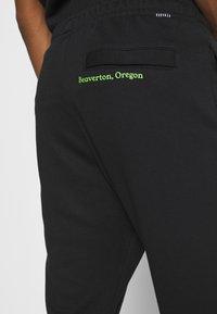 Nike Sportswear - PANT - Spodnie treningowe - black - 3