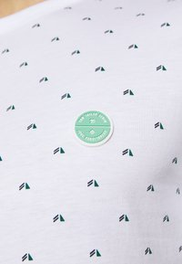 TOM TAILOR DENIM - Print T-shirt - white - 4