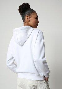 Napapijri - BILEA  - Zip-up hoodie - bright white - 1