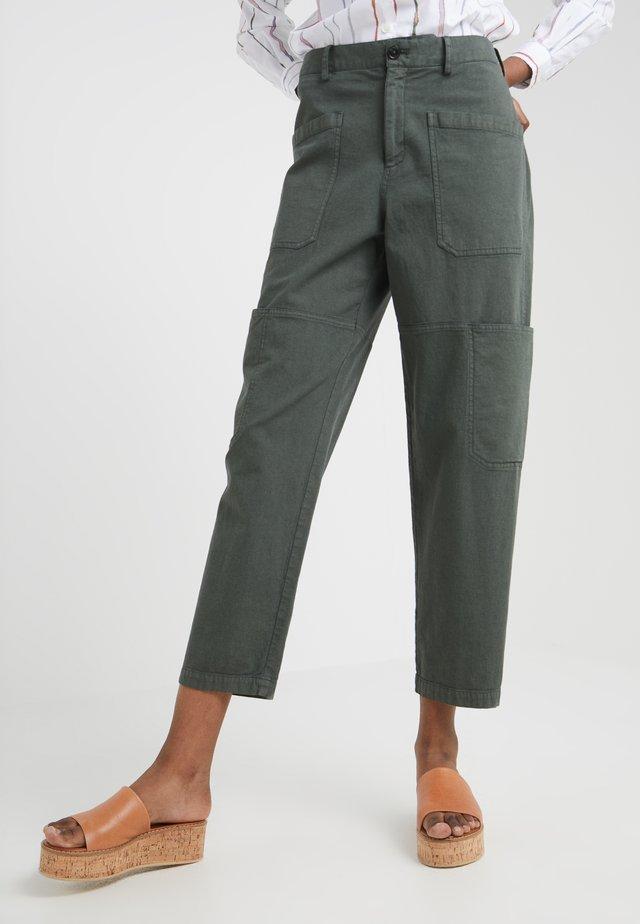 SISSIE - Spodnie materiałowe - caper green