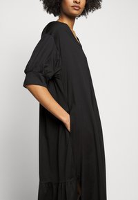 RIANI - Jersey dress - black - 4