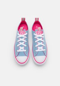 Converse - CHUCK TAYLOR ALL STAR COLOR POPPED - Trainers - sea salt blue/bold pink/white - 3