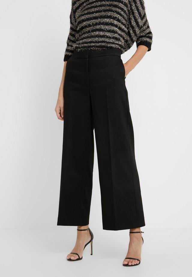 LARK - Pantalon classique - black