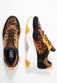 XTI - Sneakers - panama - 3