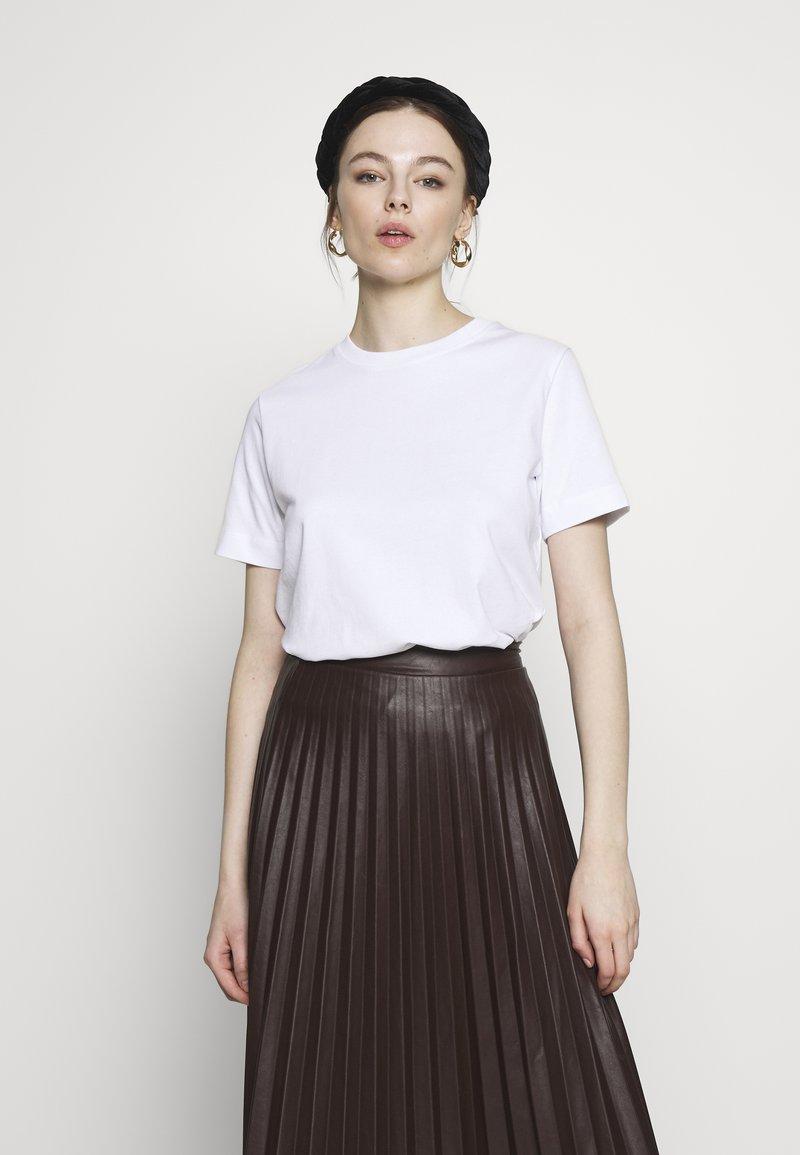 Samsøe Samsøe - CAMINO - Basic T-shirt - white